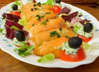 Stucchini di pesce con ripieno di pane e formaggio