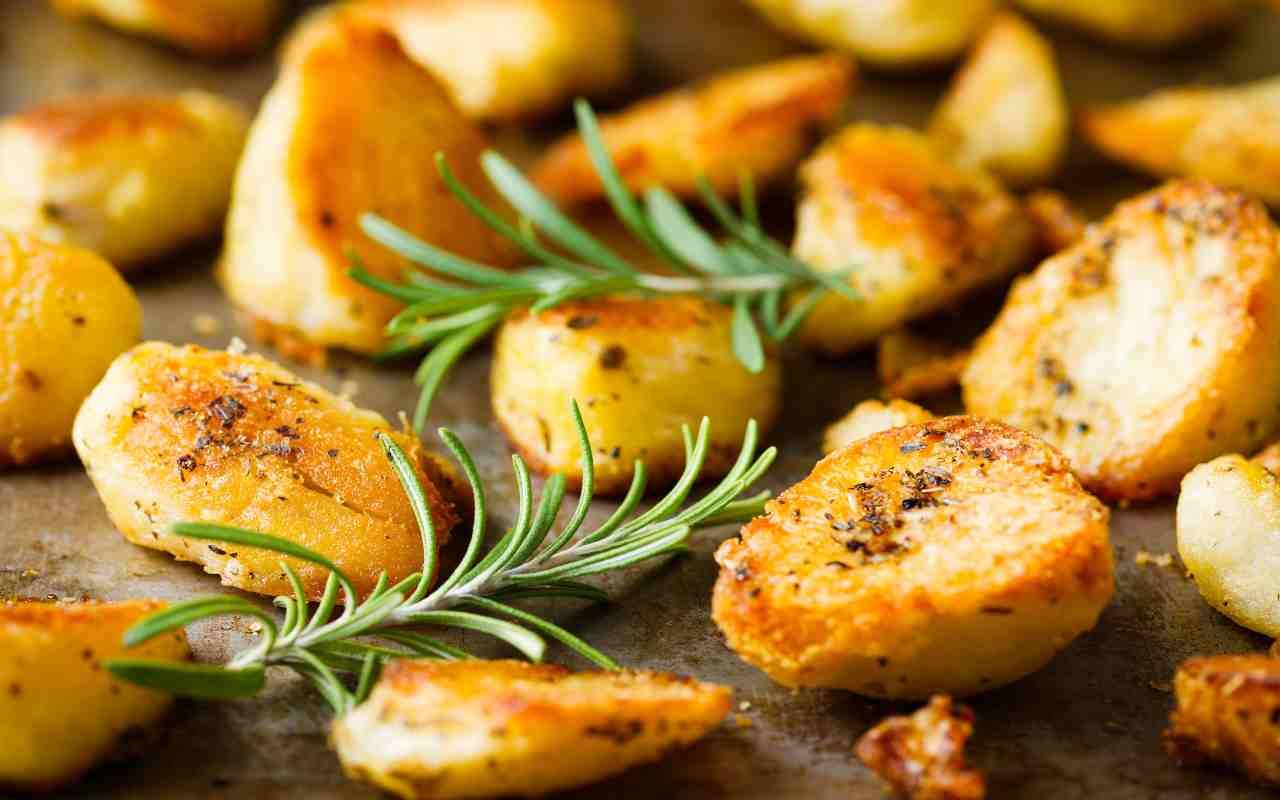 patate forno croccanti ricetta FOTO ricettasprint