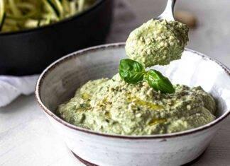 pesto zucchine crude mandorle ricetta FOTO ricettasrint