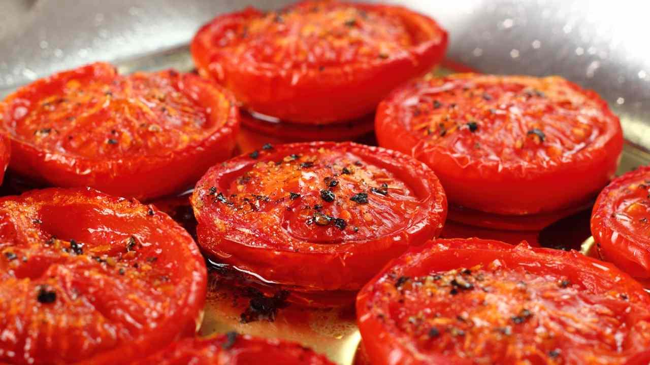pomodori caramellati padella ricetta FOTO ricettasprint