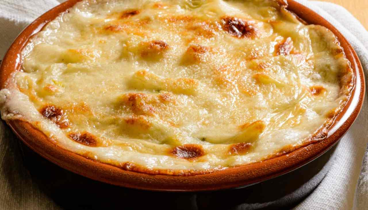 Finger food di ultimi ortaggi estivi e formaggio