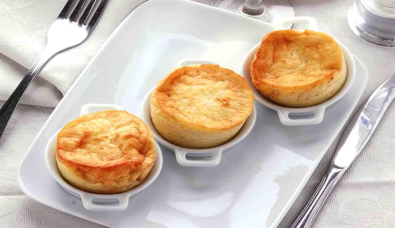 Tortini di patate con cuore filante e pancetta AdobeStock