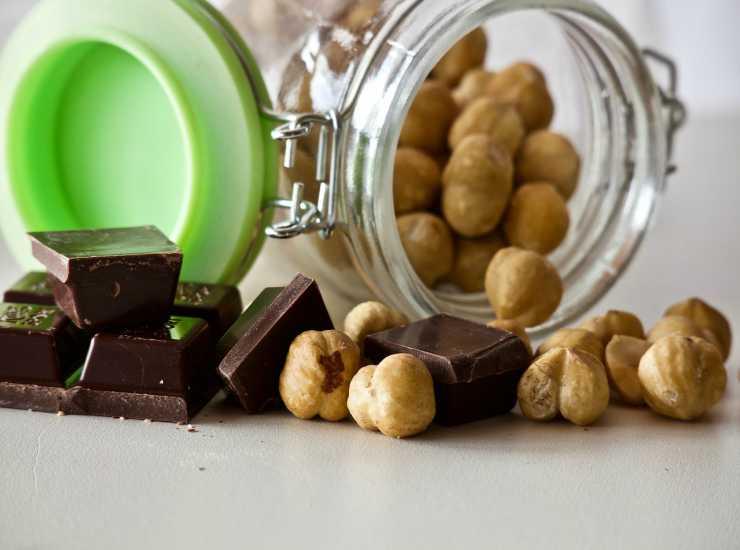 nocciole e cioccolato fondente