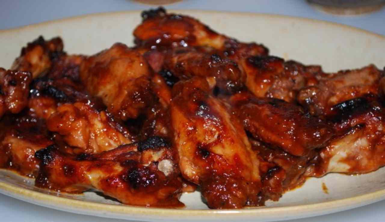 Pollo cremoso con salsa barbecue alla birra e miele